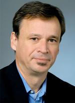 Maik Seewald ist Technical Lead und Business Development Manager bei Cisco Systems und repräsentiert Cisco in verschiedenen Gremien bei der IEEE, der DKE oder dem VDE.