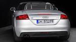 Fahrzeug mit dreidimensionaler OLED-Heckbeleuchtung