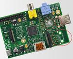 Bild 1. Weniger Hardware = geringere Stromaufnahme: Das Modell A ist aufgrund des nicht bestückten LAN/USB-Chip (Markierung) als Plattform für stromsparende Anwendungen besser geeignet.