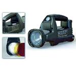Bild 2: Mit rund 24000 cd maximaler Lichtstärke und einer Reichweite bis 155 m bei einer Beleuchtungsstärke von 1 lx erhellt der tragbare Ex-geschützte LED-Handscheinwerfer der Typenreihe »6148« seine Umgebung