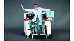 """Bild 3. Der kompakte Bestückautomat """"E by Siplace"""" weist einige technische Feinheiten auf: u.a. das digitale Bildanalyse-System, das auch bei den High-End-Lösungen von ASM zum Einsatz kommt."""