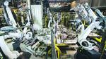 25 Roboter harmonieren in der Montage