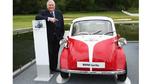 Die Isetta wurde das Kultauto im Nachkriegsdeutschland. Zwischen 1955 und 1962 wurden 161.728 Fahrzeuge verkauft. (im Bild: BBC-Golfkommentator Peter Alliss)