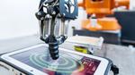 Roboter testet die Lebensdauer von Touch und Displays