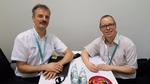 Bild: Dr. Martin Schulz, Infineon, (links) mit DESIGN&ELEKTRONIK-Redakteur Ralf Higgelke auf der PCIM Asia 2016.