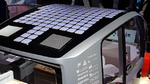In das Dach des Rinspeed Oasis sind Solarzellen verbaut, die die Batterien des Elektrofahrzeugs aufladen.