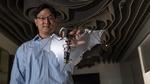 Roboter-Drohne fliegt wie eine Fledermaus