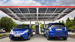 Honda eröffnet Photovoltaik-Carport mit Ladesäule