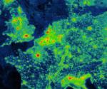 Lichtverschmutzung auf einen Blick: Die Webseite lightpollutionmap.info zeigt eine Weltkarte mit überlagerter Darstellung der Lichtemission pro Quadratzentimeter.