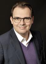 Stefan  Stroh,  ist Chief Digital Officer   bei der Deutschen Bahn.  Das Unternehmen befördert täglich rund 7,5 Millionen Reisende.Stefan Str