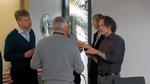 """Angeregter Austausch beim Treffen des Fachausschusses """"Mikrooptik & Photonik"""" im April"""