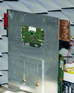 Bild 3. FR4-Demonstratoraufbau mit mittig angeordnetem eWLB-Gehäuse.