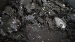 Abfallerzeuger sind laut Kreislaufwirtschaftsgesetz auch für ihre Lotabfälle haftbar, wenn ein Dritter diese unsachgemäß entsorgt.