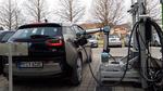 Roboter-gesteuertes Schnellladesystem für E-Fahrzeuge