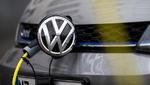 VW streicht Stellen und baut um
