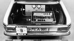 Im Kofferraum des elektronisch gesteuerten Fahrzeugs befanden sich die Steuerelektronik (1) und die elektropneumatische Bremsanlage (2).