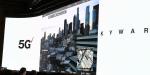 Live-Demo einer Drohnen-Fernsteuerung des Drohnenbetriebsmanagers Skywards: Vestberg steuerte aus dem Palazzo-Ballsaal im Venetien Las Vegas eine Überwachungsdrohne in Los Angeles per 5G-Kommunikation.