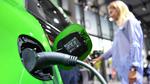 Schneller Wandel zu Elektroautos bringt höhere Jobverluste