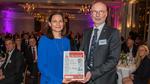 Auszeichnung 3. Preis: Katrin Hück, Fujitsu, und Harry Schubert, Elektronik, (v.l.n.r.)