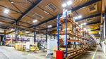Die Halle mit den neuen blendfreien LED-Hallenstrahlern inklusive tageslichtabhängiger Steuerung.
