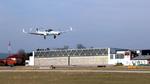 Erste vollautomatische Landung ohne Navigationshilfen am Boden
