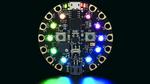 Die »3333 Circuit Playground Express« von Adafruit enthält zehn adressierbare, steuerbare RGB-LEDs.