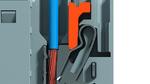"""Durch Druck auf den """"Pusher"""" (orange)z.B. mit einem Schraubendreher wird die Festhalte-Feder zurückgedrückt und die Litze kann herausgezogen werden."""