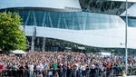 Rund 12.500 Besucher fanden sich auf der »Vision Smart City« ein, um sich über die Verkehrskonzepte zur Mobilität der Zukunft zu informieren. Von hier aus verfolgten sie den unbemannten Flug des Volocopter.
