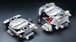 Durch Topologieoptimierung hat Protiq ein Spritzgießwerkzeug (links) entwickelt und im 3D-Druck gefertigt, dessen Masse nicht nur kleiner ist als bei einem konventionell gefertigten Werkzeug (rechts), sondern das gleichzeitig auch eine höhere Leistun