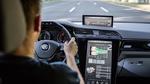 ZF hat einen neuen 2-Gang-Elektroantrieb für Pkw vorgestellt, der eine neu entwickelte elektrische Maschine mit einem Schaltelement und passender Leistungselektronik integriert. Der verbesserte Wirkungsgrad im Vergleich zu bisherigen E-Antrieben sorg