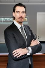 Porträtfoto: Alexander Hahn, Gründer und CEO der Deutschen Lichtmiete AG