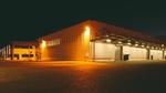 Bild 1. Mögliche Einsatzorte für den Überspannungsschutz in einer Hallenbeleuchtung: Für ein mehrstufiges Überspannungsschutz-Konzept hält Phoenix Contact alle Komponenten bereit. (Bilder: Phoenix Contact)