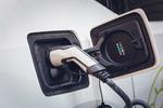 Autohersteller investieren aktuell in Lade- und Batterieprojekte