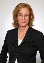 Prof. Dr. Jana Köhler ist Inhaberin des Lehrstuhls für Künstliche Intelligenz an der Universität des Saarlandes und wissenschaftliche Direktorin der Abteilung Algorithmic Business and Production am Deutschen Forschungszentrum für Künstliche Intellige