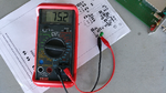 Einer unser Leser-Tester vermisst einen Kondensator mit dem Bauelementeprüfgerät ICT 76.