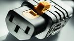 Erste wiederanschließbare IEC-Gerätesteckdose mit V-Lock