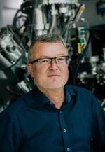 Prof. Dr. Maximilian Fichtner, u.a. Leiter der Abteilung Energiematerialien am Institut für Nanotechnologie des KIT, stellv. Direktor am Helmholtz-Institut Ulm: »Mit Battery 2030+ haben wir die Chance, in der Batterieentwicklung weltweit vorne mitzum