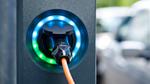 »Ladesäulenausbau hält mit E-Auto-Boom nicht Schritt«