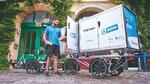 Hermes fährt seit 2018 mit großräumigen Cargo-E-Bikes samt GreenPack-Wechselakkus durch Berlin.