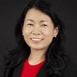 Ee Huei Sin leitet seit September 2020 den Geschäftsbereich Electronic Industrial Solutions, der für mehr als 1 Mrd. US-Dollar Umsatz steht.
