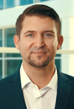 Dr. Josef Waltl ist Principal Group Program Manager - Industrial IoT/Manufacturing bei Microsoft.