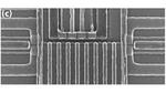 Mikroskopaufnahme eines linearen Quantenpunkt-Arrays.