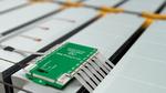 Die HV DTemp Controller versorgen die Sensorik mit nötiger Spannung und erfassen die Messdaten. Dank ihrer kompakten Bauweise können sie direkt in der Batterie verbaut werden.