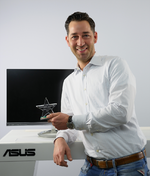 Sebastian in het Panhuis, Product Manager LCD und Projector bei Asus