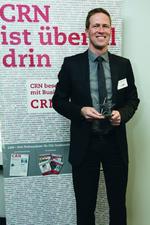 Thomas Peuthert, Channel Sales Manager bei HPE Networking, hält seinen ersten Stern in den Händen