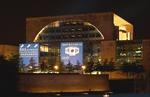 Euronics macht Bundeskanzleramt zur Werbefläche