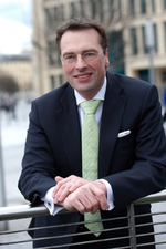 IBM ernennt neue Geschäftsführer für Services und Vertrieb