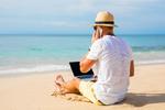 Zwei Drittel der Berufstätigen sind im Urlaub für die Firma erreichbar