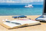 70 Prozent der Berufstätigen sind im Urlaub dienstlich erreichbar