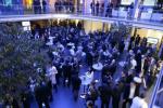 Glanz und Glammour bei Microsoft martin.fryba@crn.de  Weltweit feierte Microsoft den Launch von Vista und Office 2007. Systempartner und viel Prominenz durften bei dem globalen Spektakel natürlich nicht fehlen. Im schicken Münchner HVB-Forum traf ...